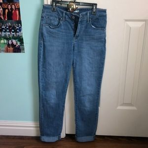 Levi light washed jeans
